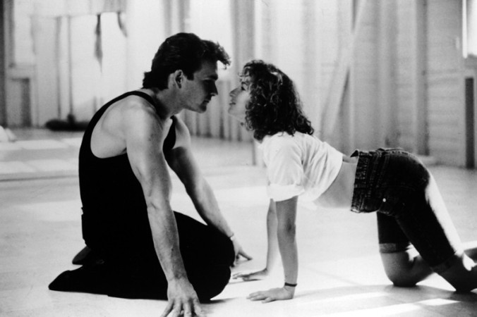 patrick-swayze-e-jennifer-grey-in-una-scena-in-bianco-e-nero-del-film-dirty-dancing-126255.jpg